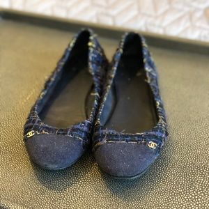 CHANEL Shoes - Chanel - Navy Blue Tweed Ballet Flats
